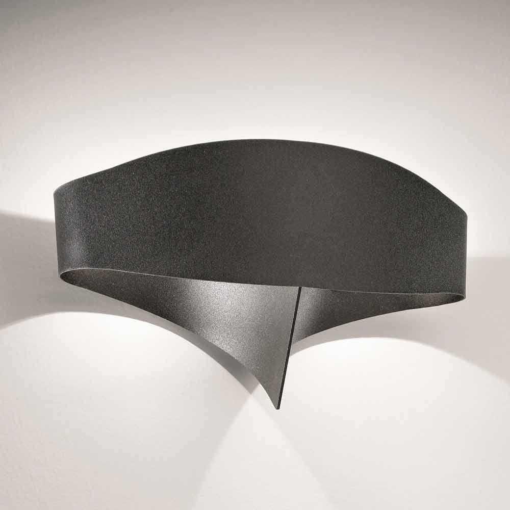 Selene Scudo laser cut steel wall light, modern design ...