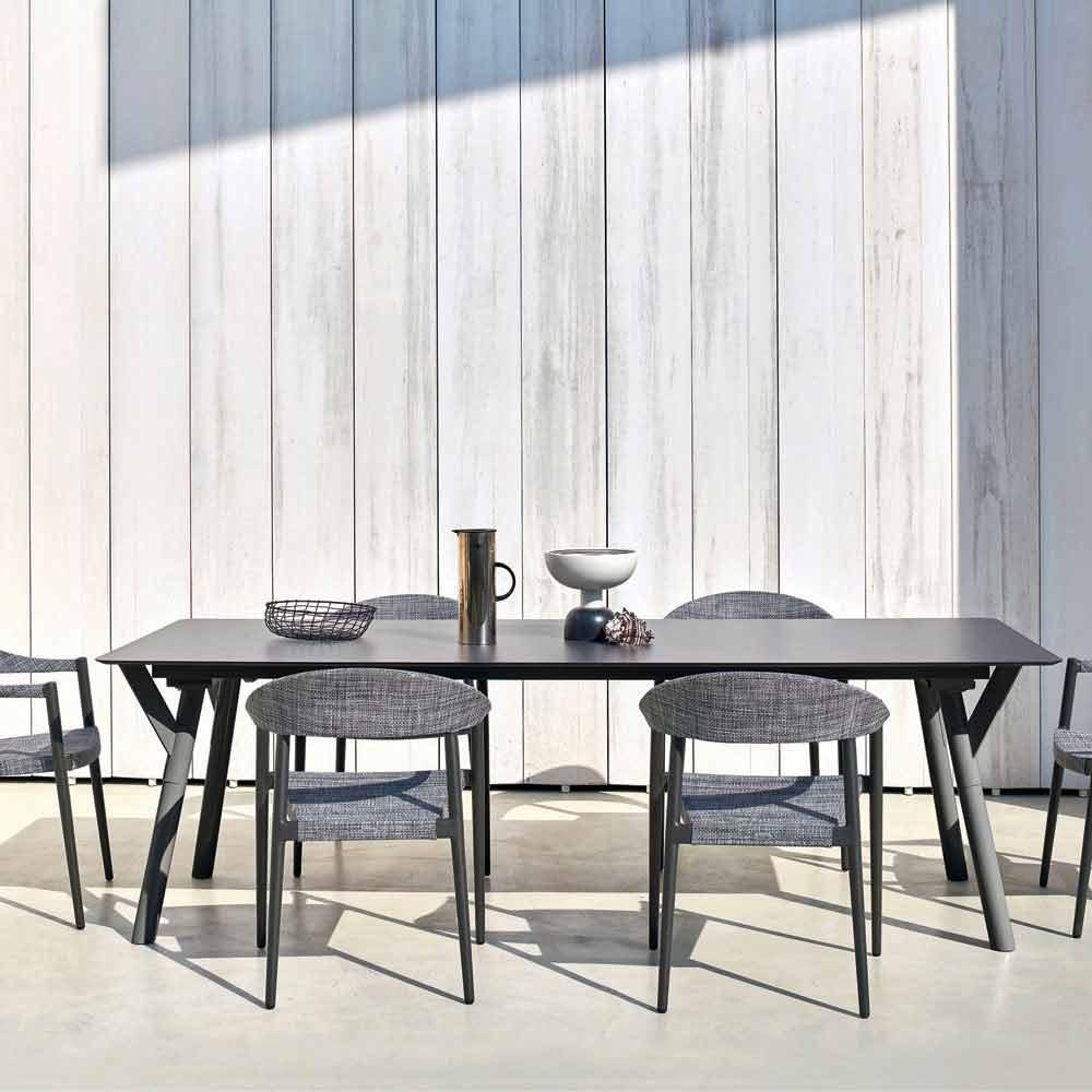 Concept design giardino da tavolo for Tavolo giardino colorato
