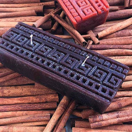Handmade Rectangular Cinnamon Scented Candle Made in Italy - Alissa