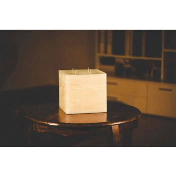 Composition of Square Wax Candles Made in Italy, 3 Pieces - Mondelle