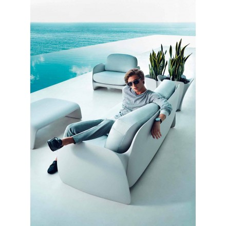 Modern garden sofa Pezzettina by Vondom, made with polyethylene