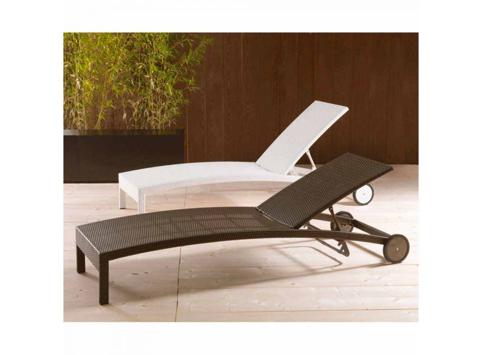 Sun Bed with wheels and adjustable backrest