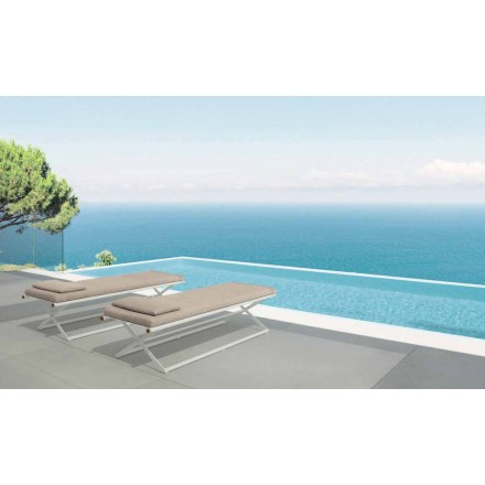 Domino garden folding lounger by Talenti, in teak and aluminum