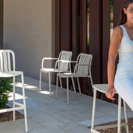 Trocadero garden chair with armrests by Talenti, made with aluminum