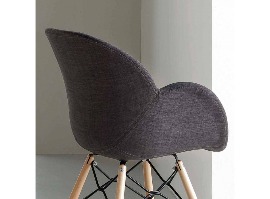 Upholstered chair in solid beech with Yucca armrests