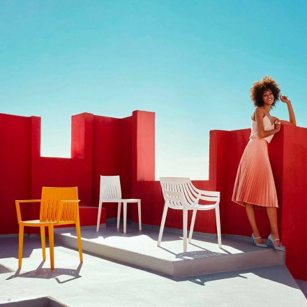 Outdoor chair Spritz by Vondom, in polypropylene and fiber glass