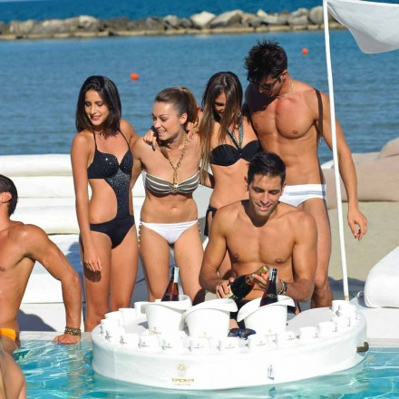 Modern floating pool bar made in Italy by Trona
