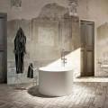 Round design freestanding bathtub produced 100 % in Italy, Cremona